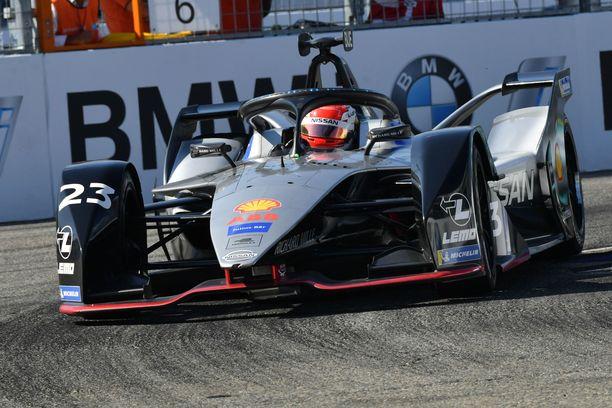 Sébastien Buemi kiisi Nissanillaan sähköformulakisan voittoon Brooklynissa.
