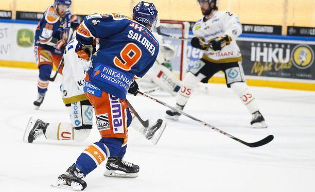 Aleksi Salonen tykitti komean maalin torstain toisessa finaaliottelussa.