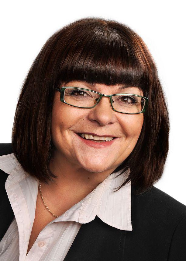 Kansanedustaja Maria Tolppanen kyllästyi Facebookiin.