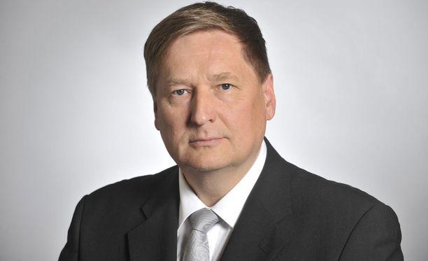 Kansanedustaja Markku Rossi (kesk).