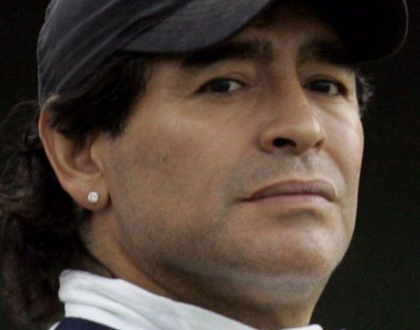 Maradona vakuuttaa olevansa täydestä sydämestään Iranin kansan puolella.