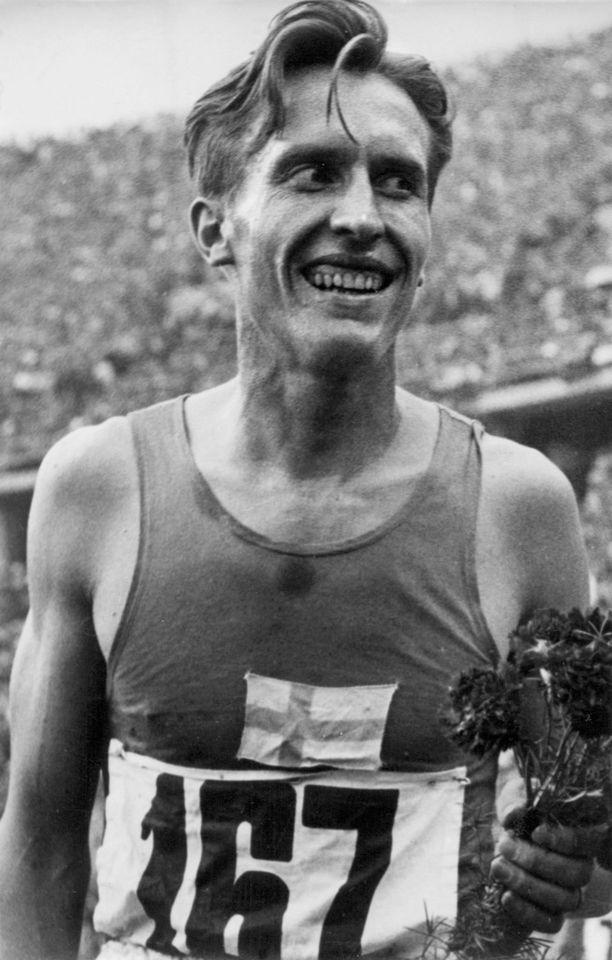 Missä lajissa Volmari Iso-Hollo voitti kaksi olympiakultaa 1930-luvulla?