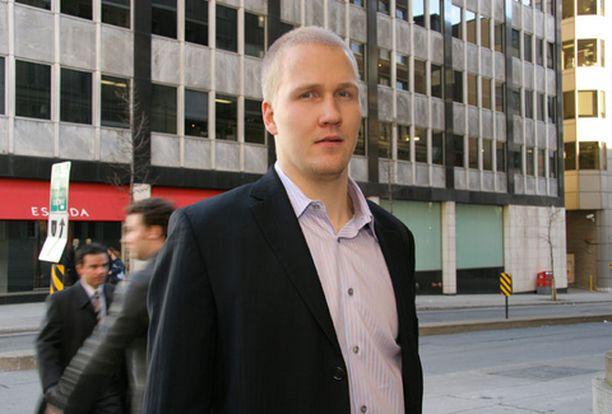 Joni Pitkänen pukee yllensä öljykaupungin pelipaidan ensi kaudella.