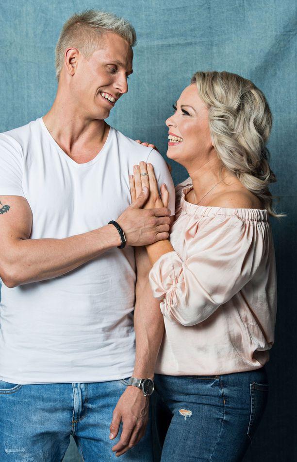Johanna Pakonen ja Antti Lehto olivat etäsuhteessa.
