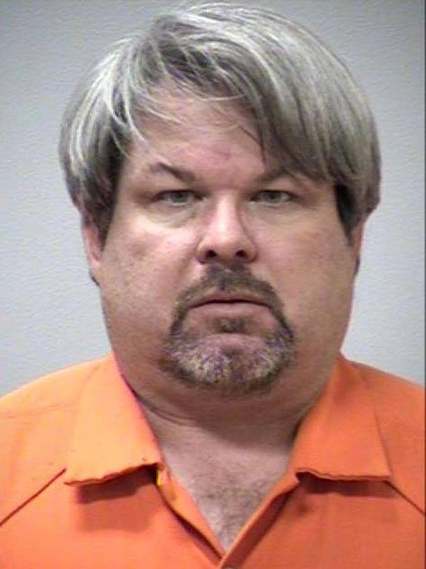 Jason Daltonia syytetään kuudesta murhasta.