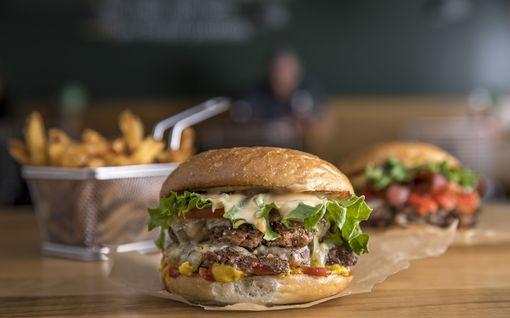 Suuri ravintolayhtiö osti kulttimaineeseen nousseen Friends & Brgrs -hampurilaisketjun