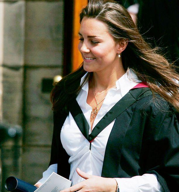 Opiskeluaikoinaan Catherine oli nykyistä terveemmissä mitoissa. Tuolloin alkoi myös suhde prinssi Williamin kanssa.