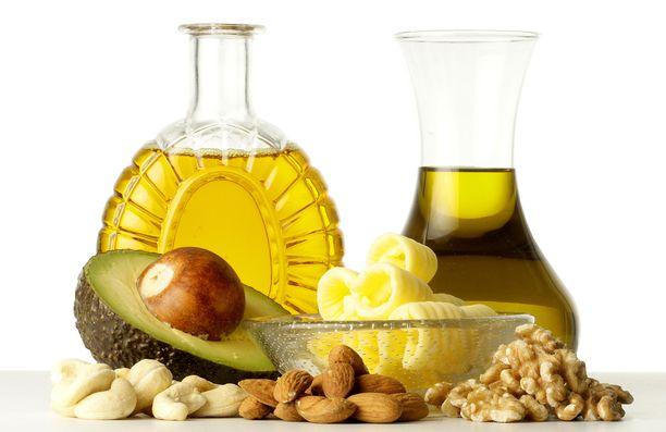 Maksan kannalta on hyväksi suosia pehmeitä rasvoja kovien rasvojen sijaan. Rypsi- ja oliiviöljy ovat hyviä valintoja.