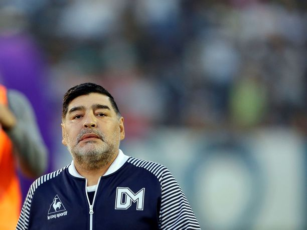 Diego Maradona valmentaa tällä hetkellä Gimnasia de La Plataa, joka pelaa Argentiinan pääsarjassa.