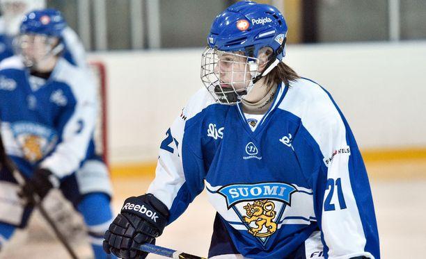 Eeli Tolvasen maalintekotaito ja laukaus herättävät ihailua. Tolvanen voitti alle 18-vuotiaiden MM-turnauksen maalipörssin keväällä seitsemällä osumallaan seitsemässä ottelussa.
