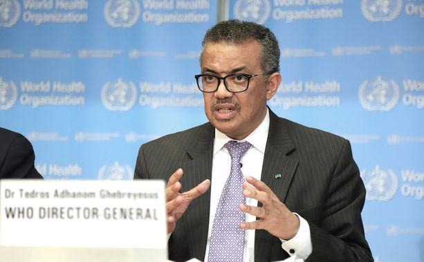 WHO:n johtaja Tedros Adhanom Ghebreyesus kertoi uusista suosituksista tiedotustilaisuudessa.