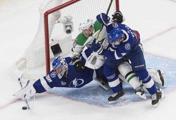 Stanley Cup -mestaruudesta on menossa hurja vääntö.