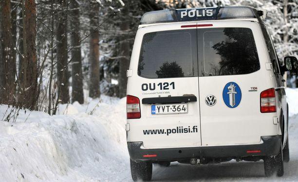 Poliisi kertoo pakkasessa tapahtuneesta tehtävästä. Kuvituskuva.