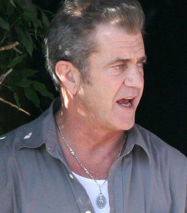 Kohu Mel Gibsonin ympärillä syvenee.