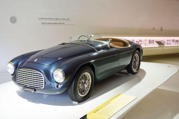 Ferrari 166 MM (Mille Miglia) on ensimmäinen autonäyttelyssä esitelty Ferrari-malli. Tämän yksilön oli ostanut Fiat-konsernin entinen pääjohtaja Gianni Agnelli vuonna 1950.