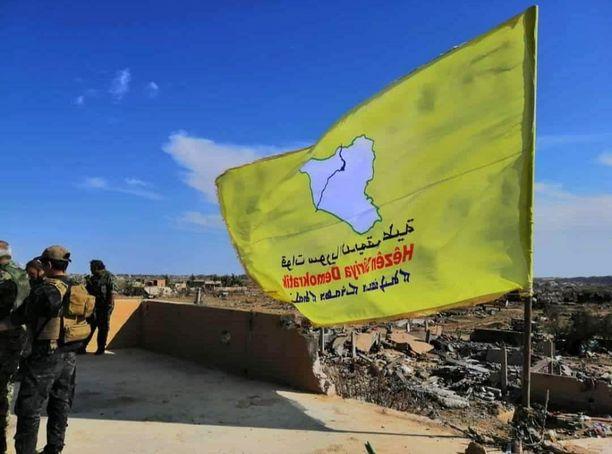 Yhdysvaltojen tukemat kurdijoukot nostivat keltaisen lipun pystyyn kukistettuaan Isisin viimeisen linnakkeen.
