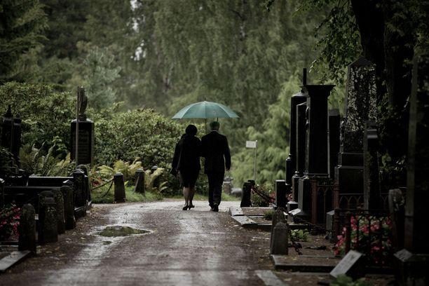 Ari murhattiin Rovaniemellä tuskallisella tavalla vuonna 2010. Suru on seurannut nuoren miehen äitiä siitä lähtien. Kuvituskuva.