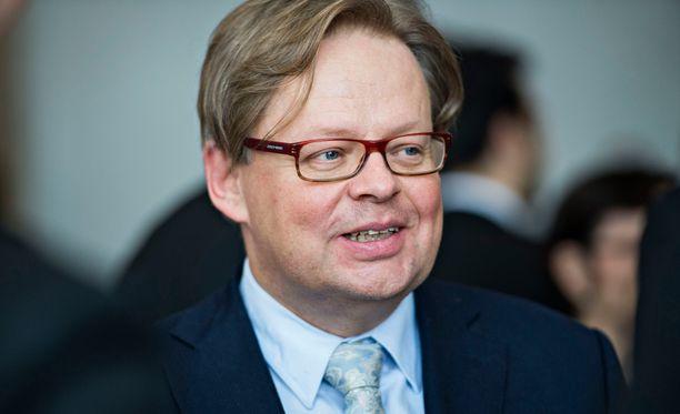 Kokoomuksen Juhana Vartiainen palkittiin hallituspuolueiden priimuksena.