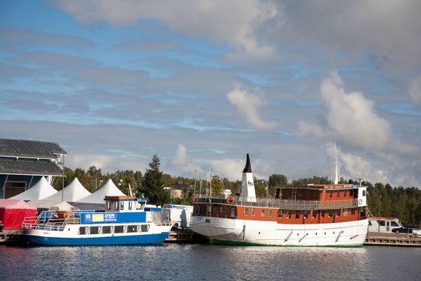 Ruotsiin ei ehkä pääse, mutta sisävesiristeilyt Kuopion satamasta onnistuvat.