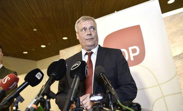 Perhepaketti on kaatumassa SDP:n vastustukseen.