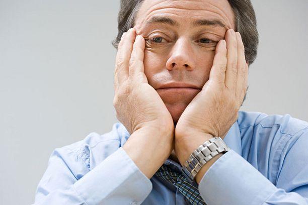 Unen tarpeen lisääntyminen ja valtava ruokahalu voivat olla merkkejä masennuksesta. Masennuksen epätyypillisestä muodosta kärsivän mieliala saattaa myös hetkittäin nousta.