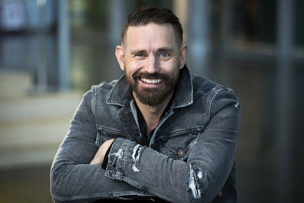 Lauri Tähkä kulki pitkän matkan uuden albuminsa kanssa.