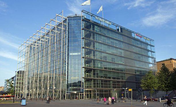 Sanoma ilmoitti kaksi vuotta sitten keskittyvänsä Suomen- ja Hollannin-toimintoihinsa. Kuvassa Sanomatalo Helsingin keskustassa.