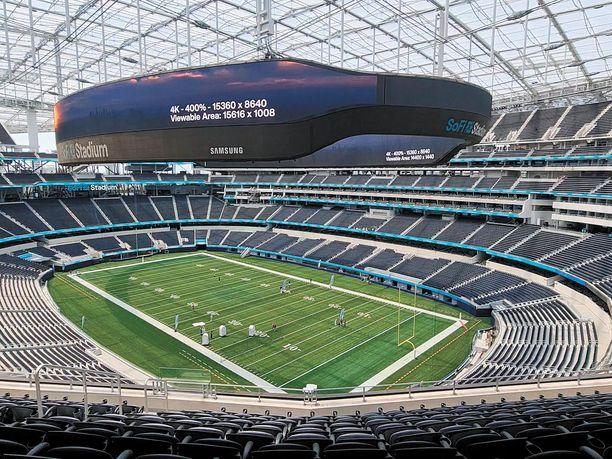 Tällä stadionilla pelattiin Los Angelesin paikallispeli, jossa tunteet kävivät kuumina.