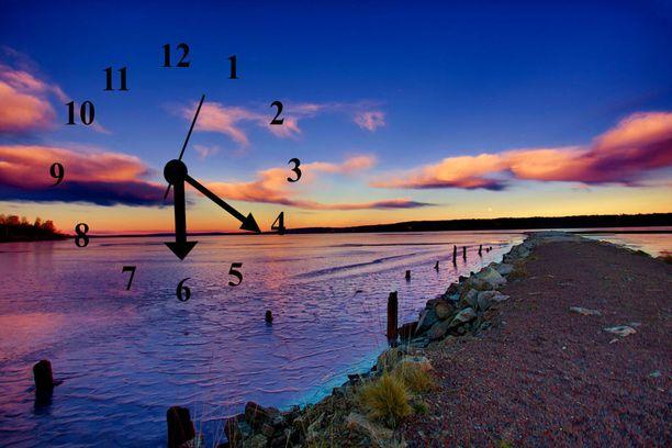 Suomi teki Euroopan komissiolle aloitteen kellojen siirtelyn lopettamisesta.