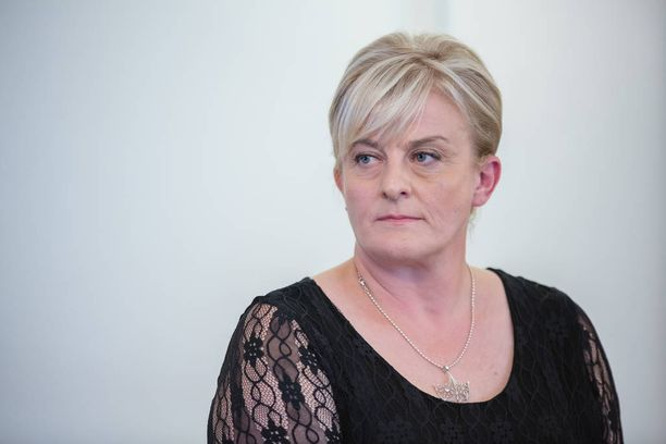 Entinen sosiaali- ja terveysministeri Pirkko Mattila hakee kunnanjohtajaksi.