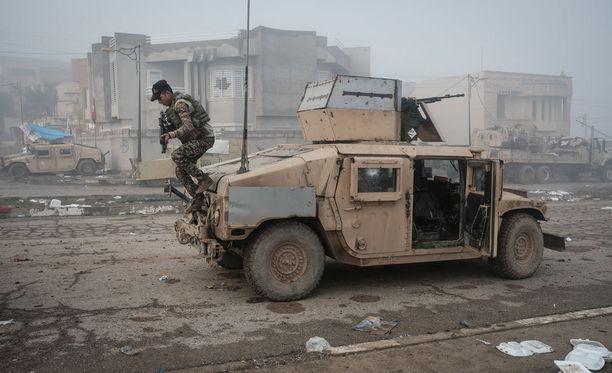 Irakin joukkoja lähellä Mosulia tammikuussa.