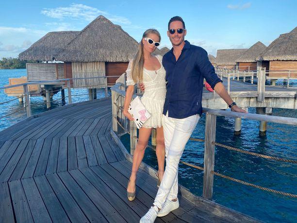 Paris Hilton ja Carter Reum eivät ole kertoneet hääsuunnitelmistaan vielä julkisuudessa.