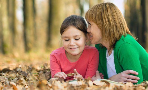 Äidin äänen kuuleminen herättää lapsen aivoissa ainutlaatuisia reaktioita.