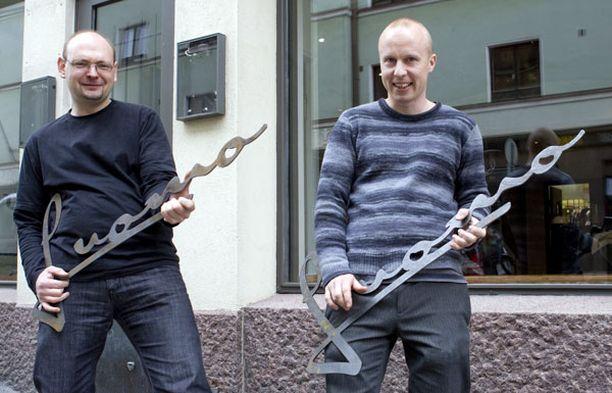 Luomon ravintoloitsijoilla, Mika Mattilalla ja Jouni Toivasella, on nyt aihetta juhlaan.