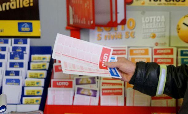 Rahapelien mainontaa koskevat muutokset tulevat voimaan 22. kesäkuuta.