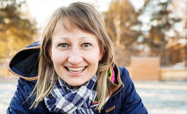 Tanja Poutiainen-Rinne toimii Levin maailmancupissa pr-töissä ja lasten kilpailun kummina.
