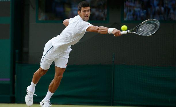Djokovic kohtaa Wimbledonin puolivälierässä Marin Cilicin.
