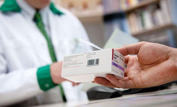 Halvat lääkkeet kallistuvat ja kalliit halpenevat vähittäishintojen muuttumisen myötä.