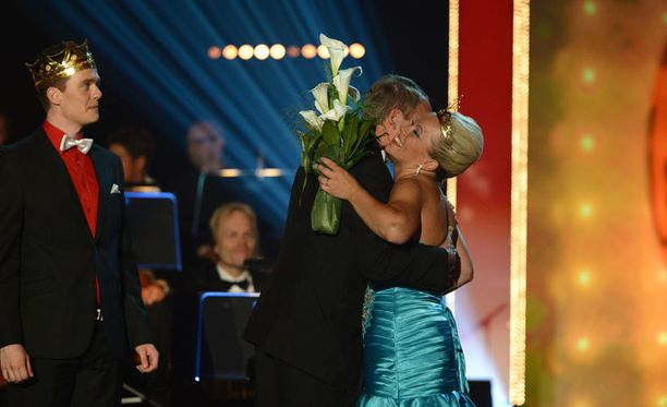 Tangokuningattareksi kruunattiin Heidi Pakarinen.