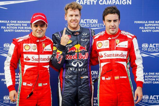 Felipe Massa (vasemmalla), Sebastian Vettel (keskellä) ja Fernando Alonso ovat ajaneet Räikkösen tallitovereina Ferrarilla.