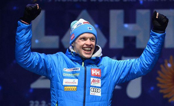 Iivo Niskasen MM-kulta sai suomalaislehdet vaihtamaan nimiään.