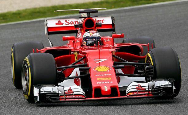 Kimi Räikkönen ja Ferrari ovat huimassa iskussa.