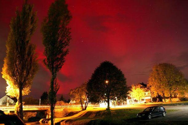 Yhdysvaltain ilmailu- ja avaruushallinto NASA kuvasi auringon koronan massapurkauksen huhtikuussa 2012. Viimeisin todella voimakas ja Maan kiertoradalle ulottunut aurinkomyrsky nähtiin heinäkuussa 2012.