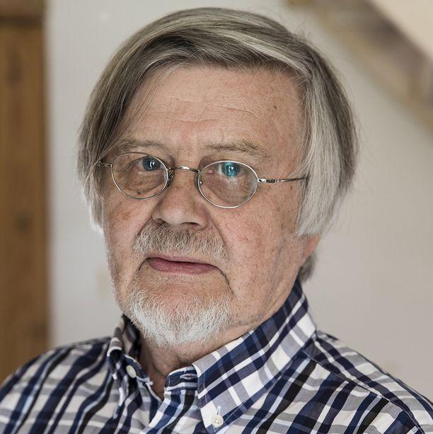 Tietokirjailija ja kustantaja Kai Linnilä kuoli äkilliseen sairauskohtaukseen