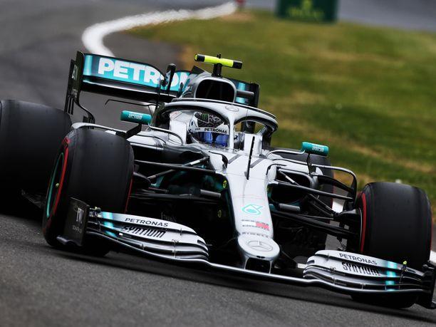 Valtteri Bottas saavutti Silverstonessa kauden neljännen paalupaikkansa.