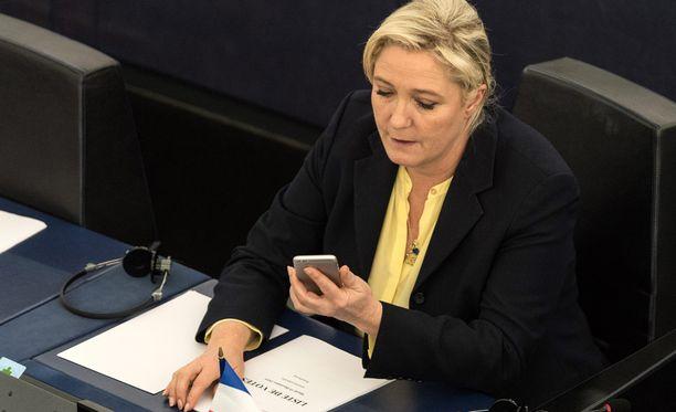 Marine Le Pen raivostutti twiittamisellaan amerikkalaistoimittajan vanhemmat.