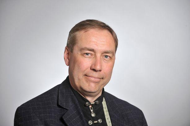 James Hirvisaaren mielestä eduskunnan wc-tilojen siisteydessä on toivomisen varaa.