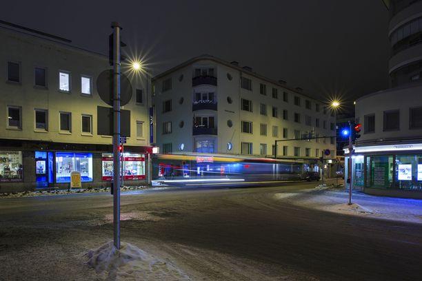 38-vuotias oli ollut viime helmikuussa kylässä 49-vuotiaan naisen luona Kuopion keskustassa. Kuvituskuva on Kuopion Haapaniemenkadulta.