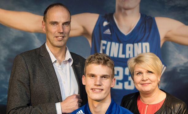 Lauri Markkasen vanhemmat Pekka ja Riikka ovat siirtäneet asemapaikkansa Chicagoon.