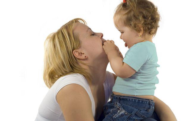 Aivotutkimus on osoittanut, että 2-vuotiaiden, toistuvia korvatulehduksia sairastaneiden lasten aivot käsittelevät puheäänen piirteitä poikkeavalla tavalla.